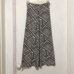 Dresses & Skirts - Lulu Luv womans 14/16 tribal pull up A line skirt